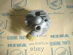 HONDA CB92, CB92R NOS Cylinder Head Cover right